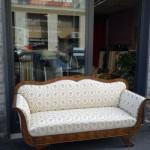Rifacimento divano d'epoca con tessuto lampasso
